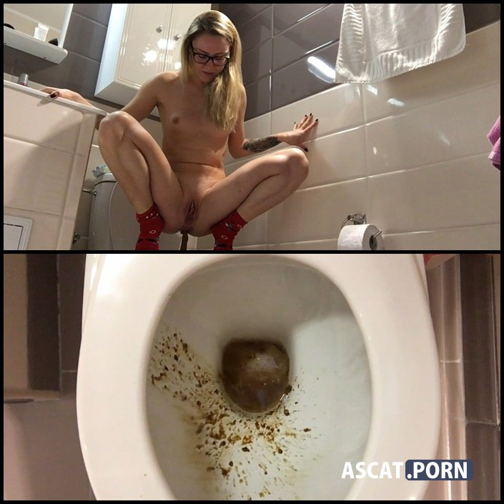 3 types of shit one single day - EllaGilbert | Full HD 1080p | Jul 11, 2017
