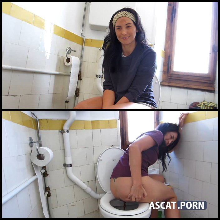 POV Pooping in Toilet