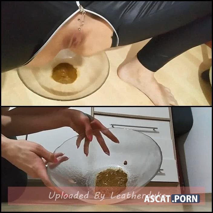 I squat on a bowl and shit in the bowl today I have a little diarrhea with KV-TEEN | Full HD 1080p | June 2, 2018