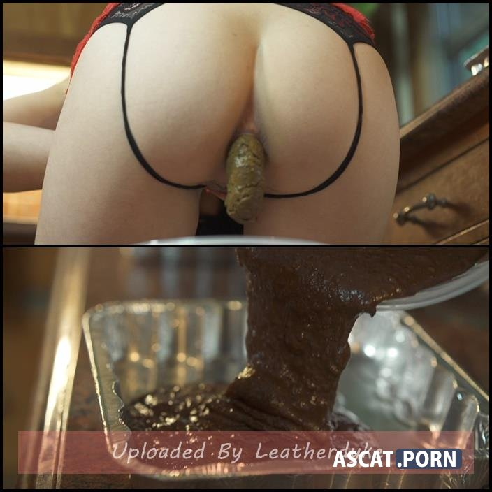 Shit Brownies with Mistress Sophia | Full HD 1080p | June 30, 2018