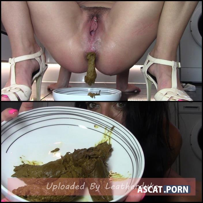 Sniff My Fishy Pussy Taste My Fishy Shit with evamarie88 | Full HD 1080p | Aug 04, 2018
