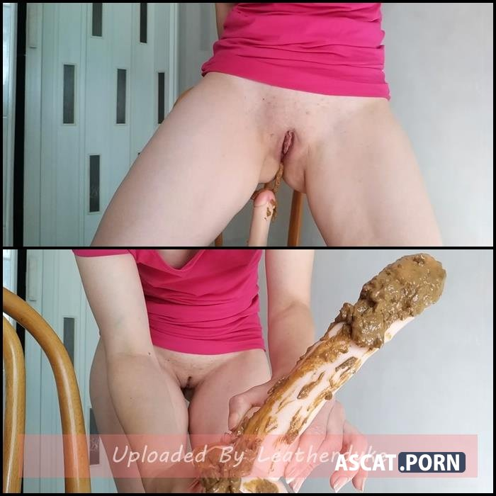 Pooping on dildo and playing with it with nastygirl | Full HD 1080p | Sep 16, 2018
