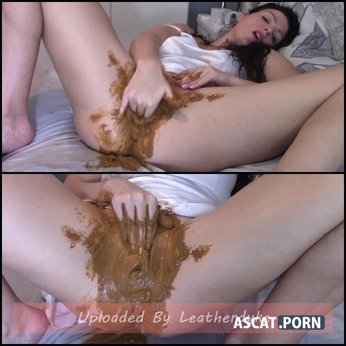 Slept With Scat Inside My Pussy with evamarie88 | Full HD 1080p | Oct 24, 2018