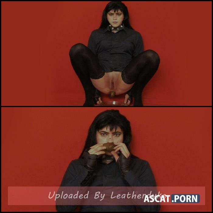 Laura poops without a mask with Fetish-zone | Full HD 1080p | Aug 13, 2019