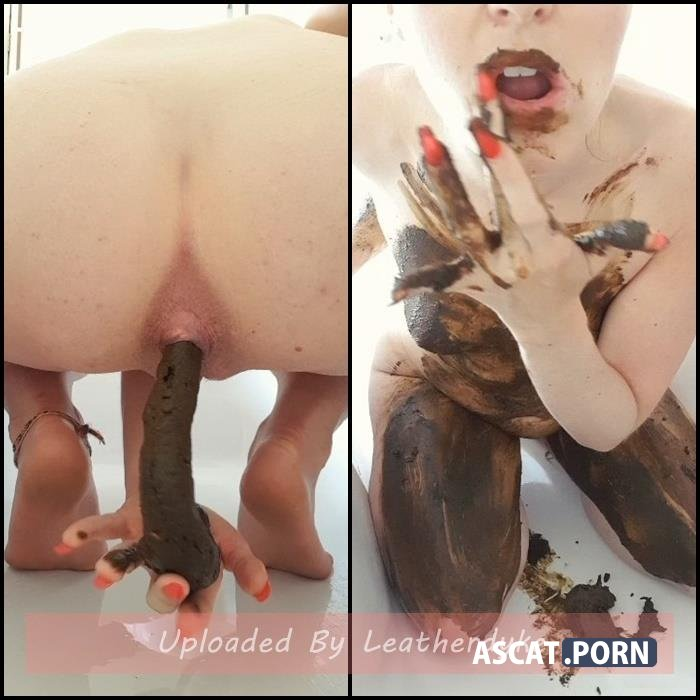 Poop into hand, body and lip smearing with CremeDeLaJen | Full HD 1080p | Dec 22, 2019