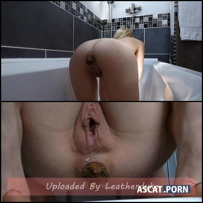 Toilet, Bath & Outdoor Shitting with sammiecee   Full HD 1080p   Mar 12, 2020